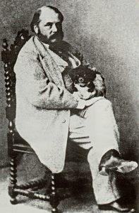 И. А. Гончаров с собакой Мимишкой. Фотография М. Б. Тулинова. 1860 г.